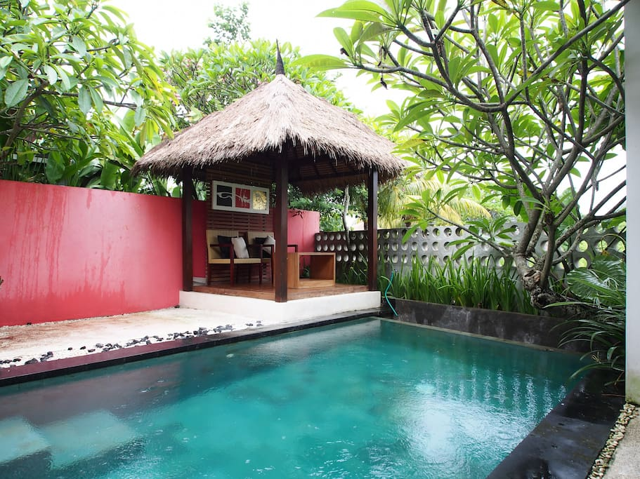 Plunge pool with small gazebo