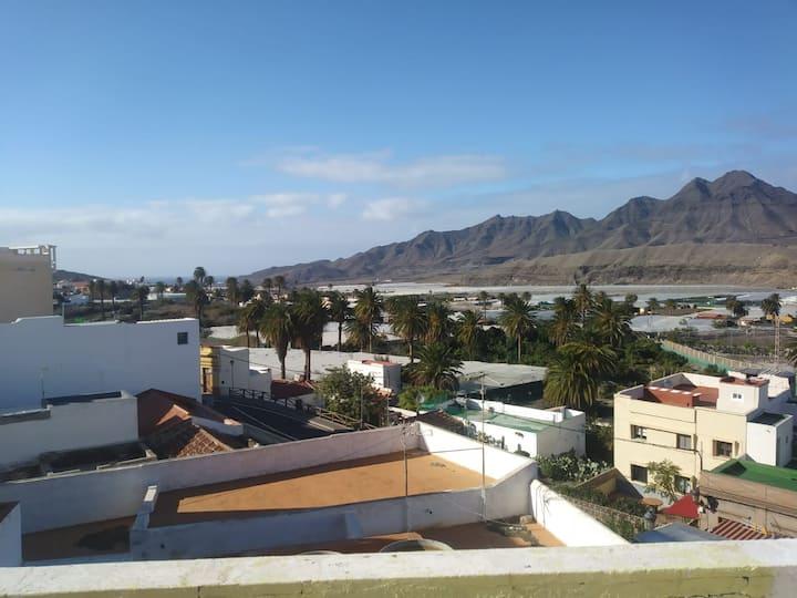 casa los balcones. vistas al valle de la aldea