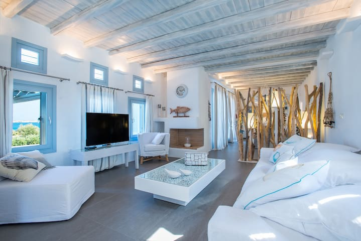 Aelia Master Villa with Sea View and Private Pool