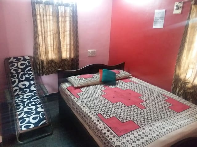Nestaway-AC Pent room-25 mins from chennai Airport