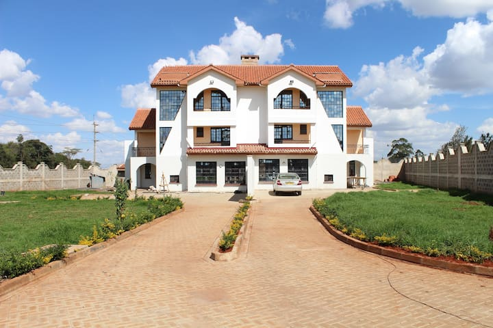 Twin Houses with private rooms - Nairobi - Pension