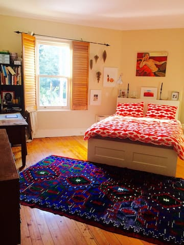 Inner West Terrace - Huge Room - Petersham - Ev