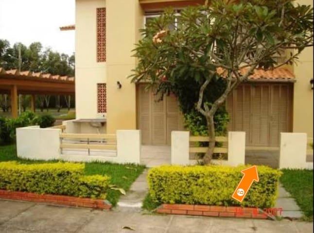 Ótimo Studio em Capao Novo (wifi, tv a cabo e ar)