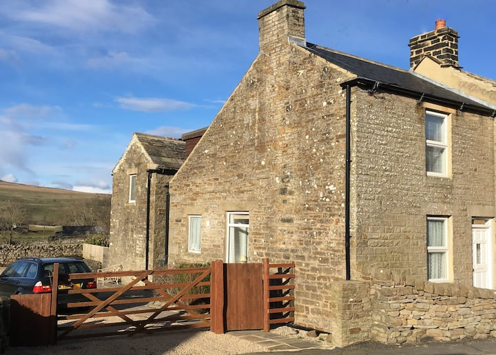 Traditional 2 Bedroomed Cottage in Upper Teesdale
