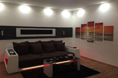 Modern Apartment near Red Bull Racetrack - Zeltweg - Apartamento