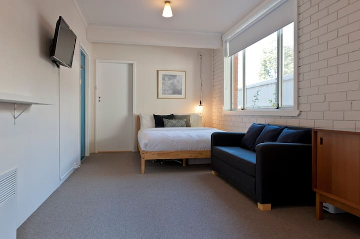 Cosy, Clean & Central - West Hobart - Apartamento