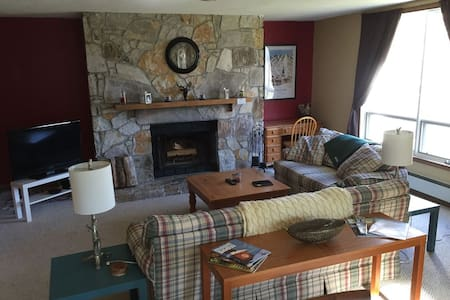 Beautifully Renovated Ski In/Out on Mount Snow