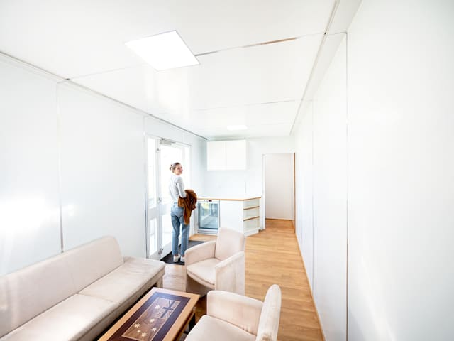 Extraordinary Sleep-Accommodation with 18 Beds