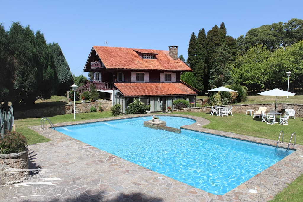 Casa de campo con amplio jard n piscina y bbq casas rurales en alquiler en la coru a galicia - Casas rurales madrid con piscina ...