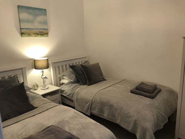 Newly Refurbished lovely flat in heart of Lynton