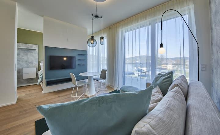 Hermitage Sundowner Penthouse Top E07b