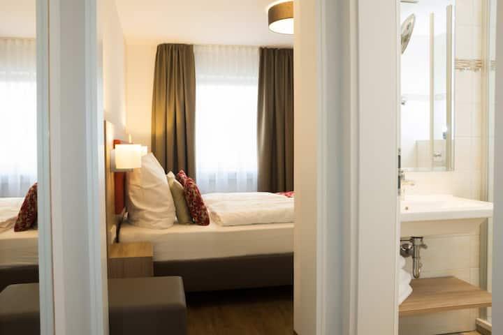 Hotel Löhr, (Baden-Baden), Business-Doppelzimmer, 17qm, max. 2 Personen