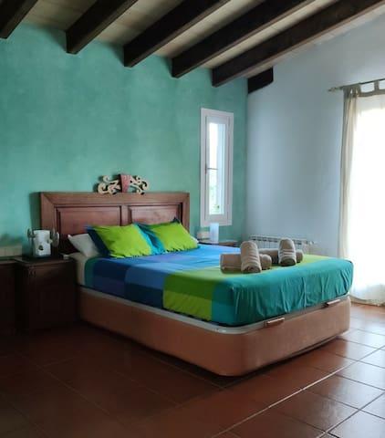 cuarto cama doble-dormitorio principal