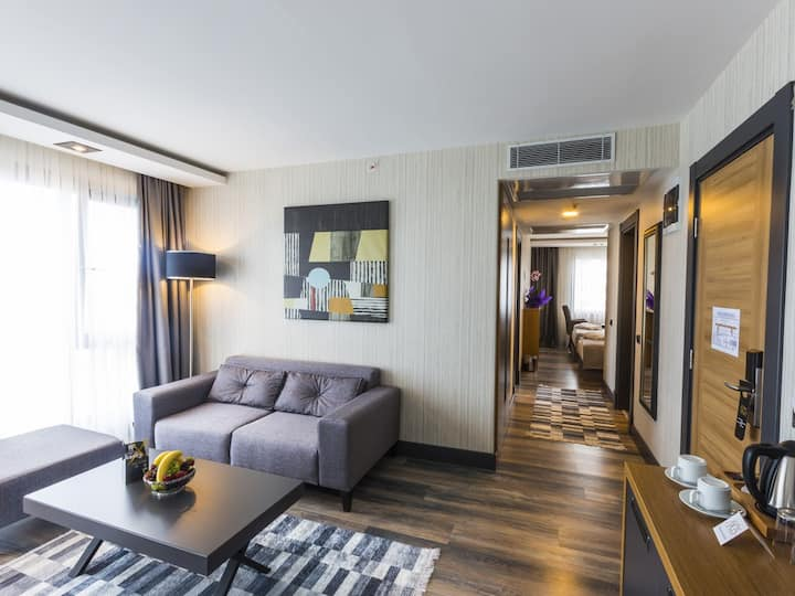 Royal Axis Suites Hotel Trabzon - Two Bedroom One Living Room
