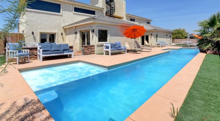 Ultimate Vacation Villa Minutes From Strip - 0957