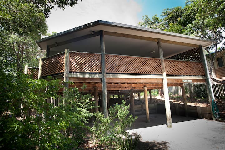 Pat's Retreat North Stradbroke - Point Lookout - House