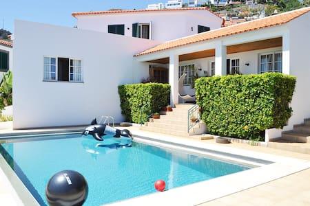 Villa do Meio - Gaula - Casa