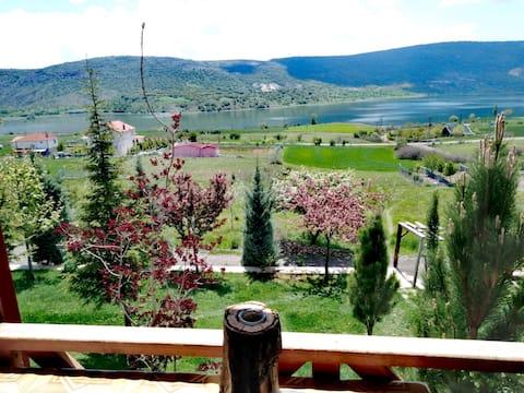 AYAŞ-ASARTEPE Muhteşem göl manzaralı çiftlik