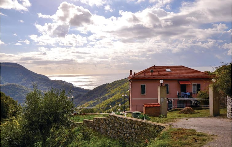 Holiday apartment with 3 bedrooms on 85m² in Localita´Bracco (GE)