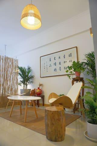 綠葉植物為房間帶來絲絲的生氣