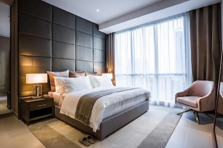 Luxurious Flat in Bahria Town Lahore