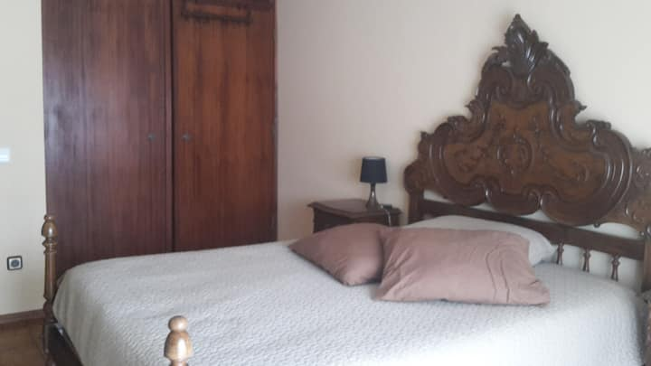 Room until 2px in the center of the city of Águeda