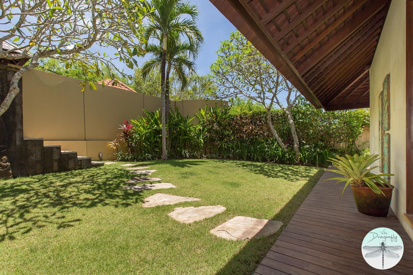 uluwatu luxury bungalow villa dragonfly bungalows for rent in