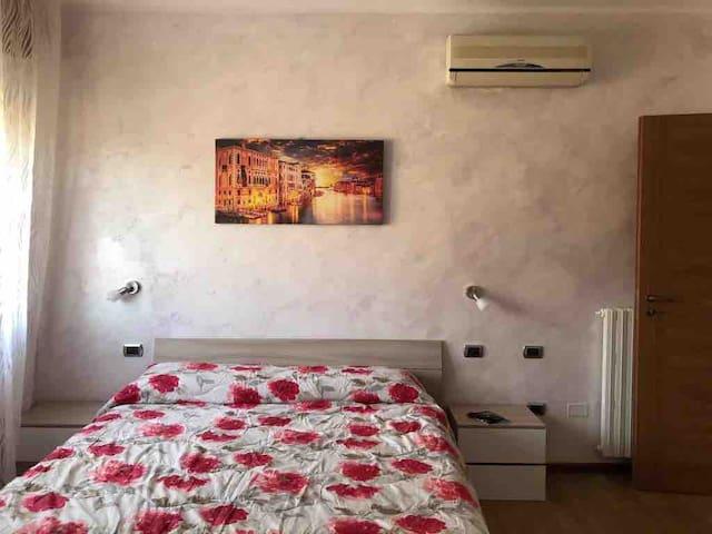 Appartamento stanzaB e bagno privati Padova Guizza