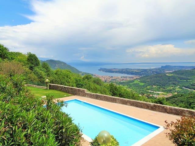 Ferienwohnung im alten Burgkloster | Seeblick Pool - Villanuova sul Clisi - Saló - Apartment