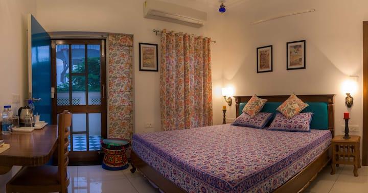 Lavish Stay near the Taj Mahal