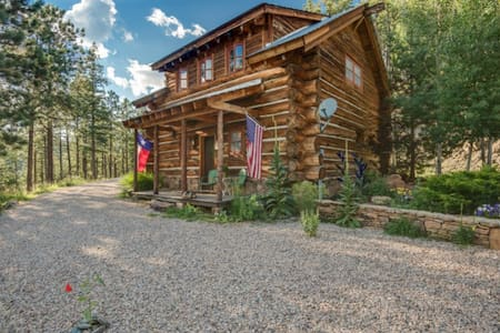 Log Cabin Mountain Hideout - Stuga