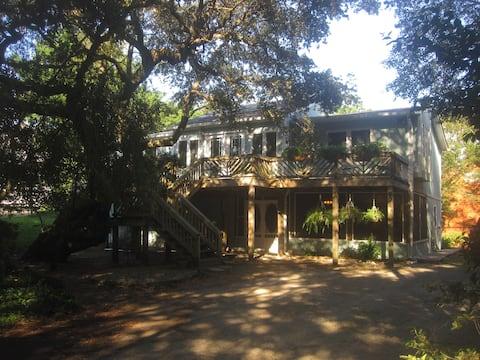 The Island Treehouse