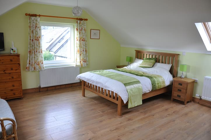 Double bed ensuite room