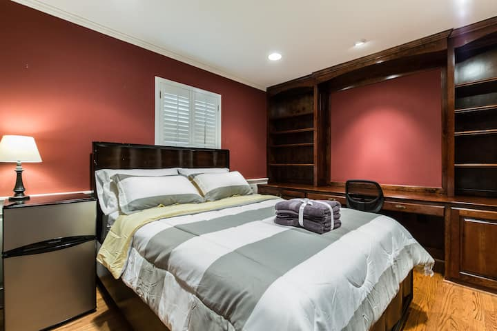 Clean Private Room - See Discounts!