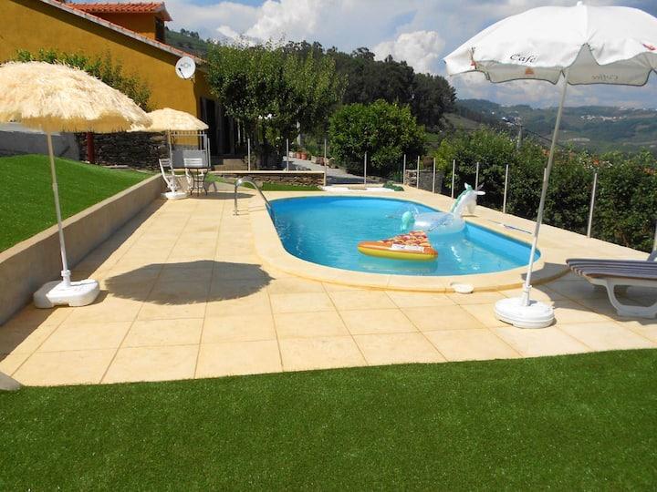 Villa de 4 habitaciones en Sedielos, con magnificas vistas a las montañas, piscina privada, jardín amueblado - a 8 km de la playa