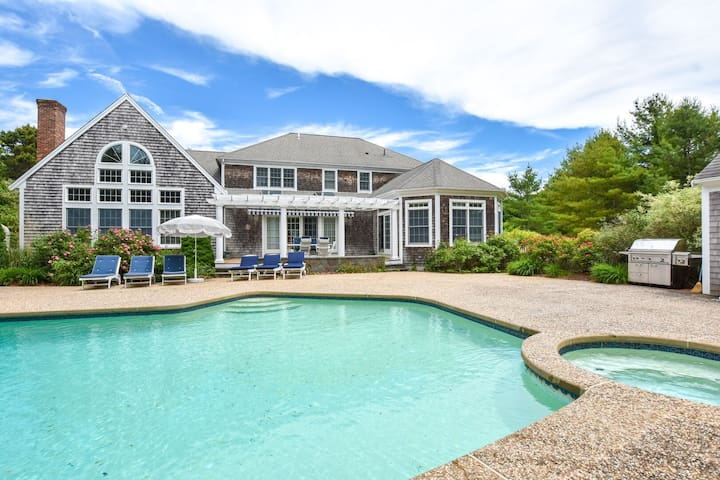 #714: Massive Luxury Home w/ Large Private Yard, Private Pool, Game Room!