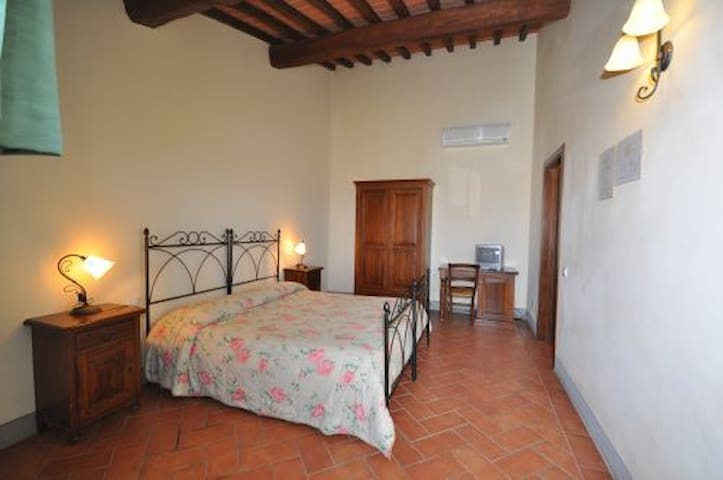 Beautiful double room in the tuscany countryside - Cerreto Guidi - Outros