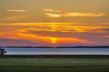 Jeden Abend taucht die Sonne den Spot in spektakuläres Licht