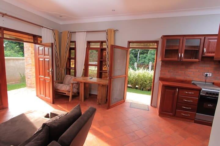 Kisubi Cottage 2 bedrooms, kitchen
