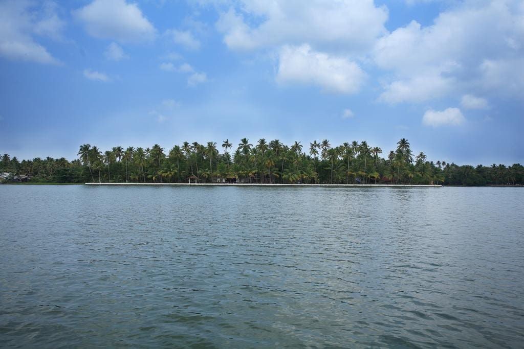 Vembanad House view from Lake