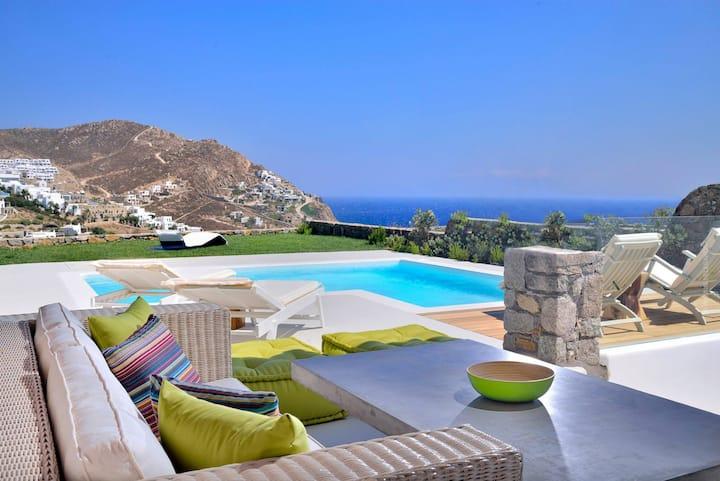Villa Castalia (above the beach & amazing seaview)