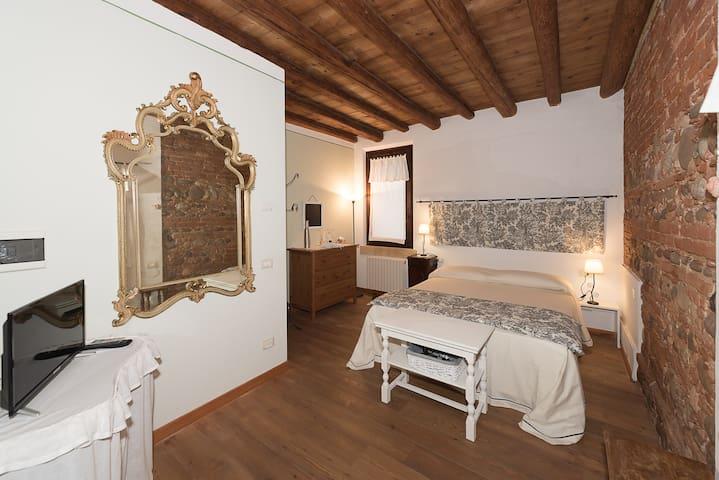 Ai Tigli Agriturismo in Corte italia La Sassi