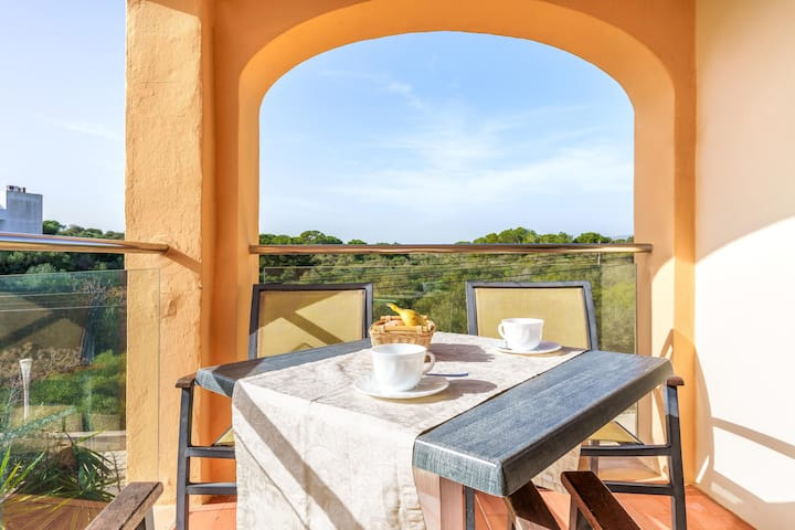 Holiday Apartment 'Ferrera Luxe Apartamento 808' close to the Beach with Pool, Wi-Fi, A/C, Balcony, Terrace & Garden; Street Parking Available