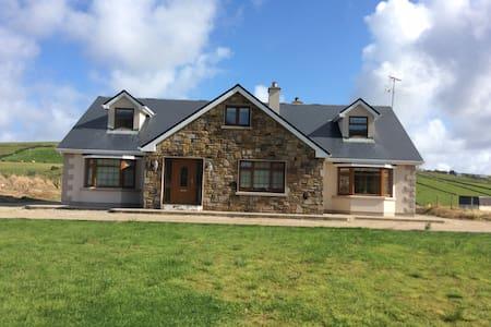 Beautiful Home on Carrowmore Lake - Carrowmore Lake