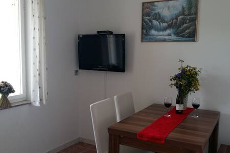 Cosy apartment, 150m to the beach [20% OFF!! JUNE] - Jadranovo - 公寓