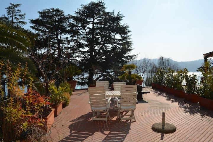 big terrace 2 front lake Salò - Salò - Apartamento
