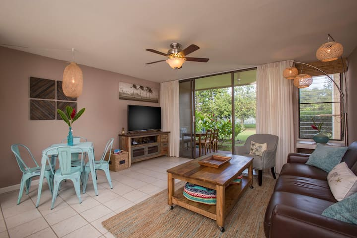 NEW LISTING*Resort Living North Shore Island Chic*