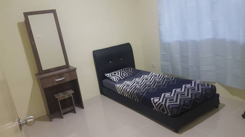 Small room homestay at Taman Eden Fields Kuching