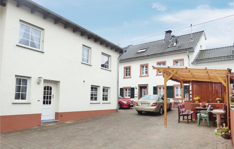 Holiday cottage with 3 bedrooms on 63 m² in Strohn
