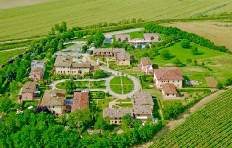 Elegante casa, arredamento moderno - Frassineto - House
